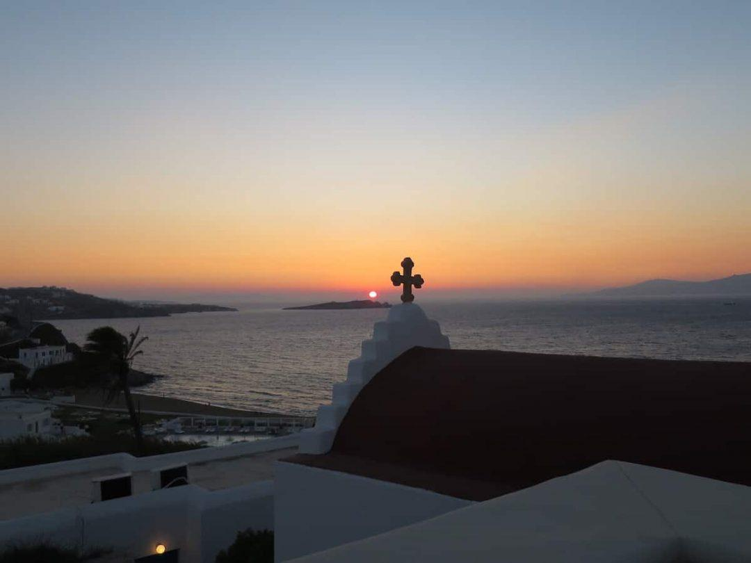 Sunset over the best restaurant in Mykonos - Bill and Coo