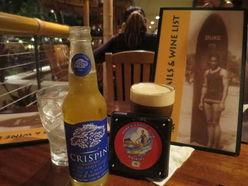 Drinks at the Barefoot Bar Waikiki