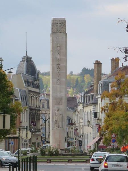 Aux Martyrs Column in the centre of town of Epernay