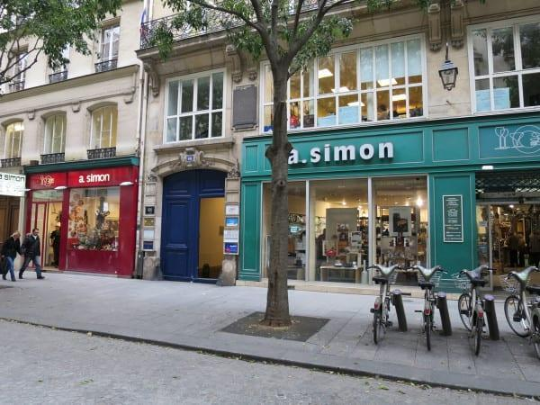 A Simon food stores Paris
