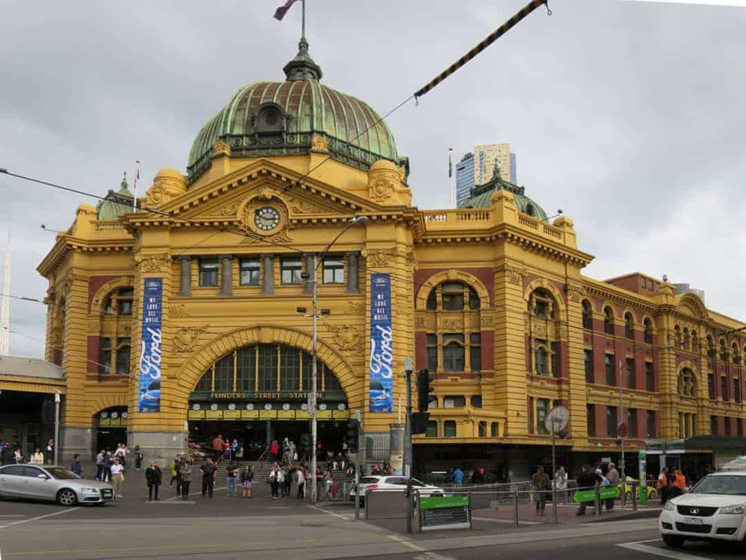 Flinders St Station - Melbourne