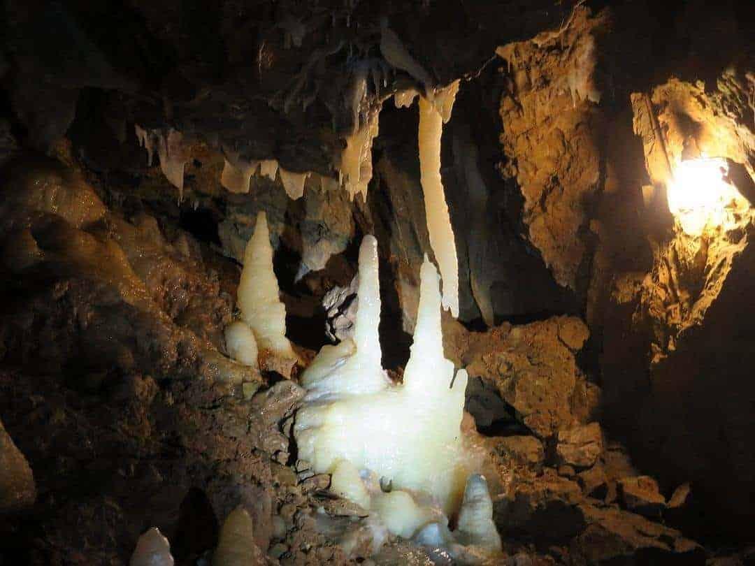 Grotte la Merveilleuse Dinant - 5 best cities in Belgium