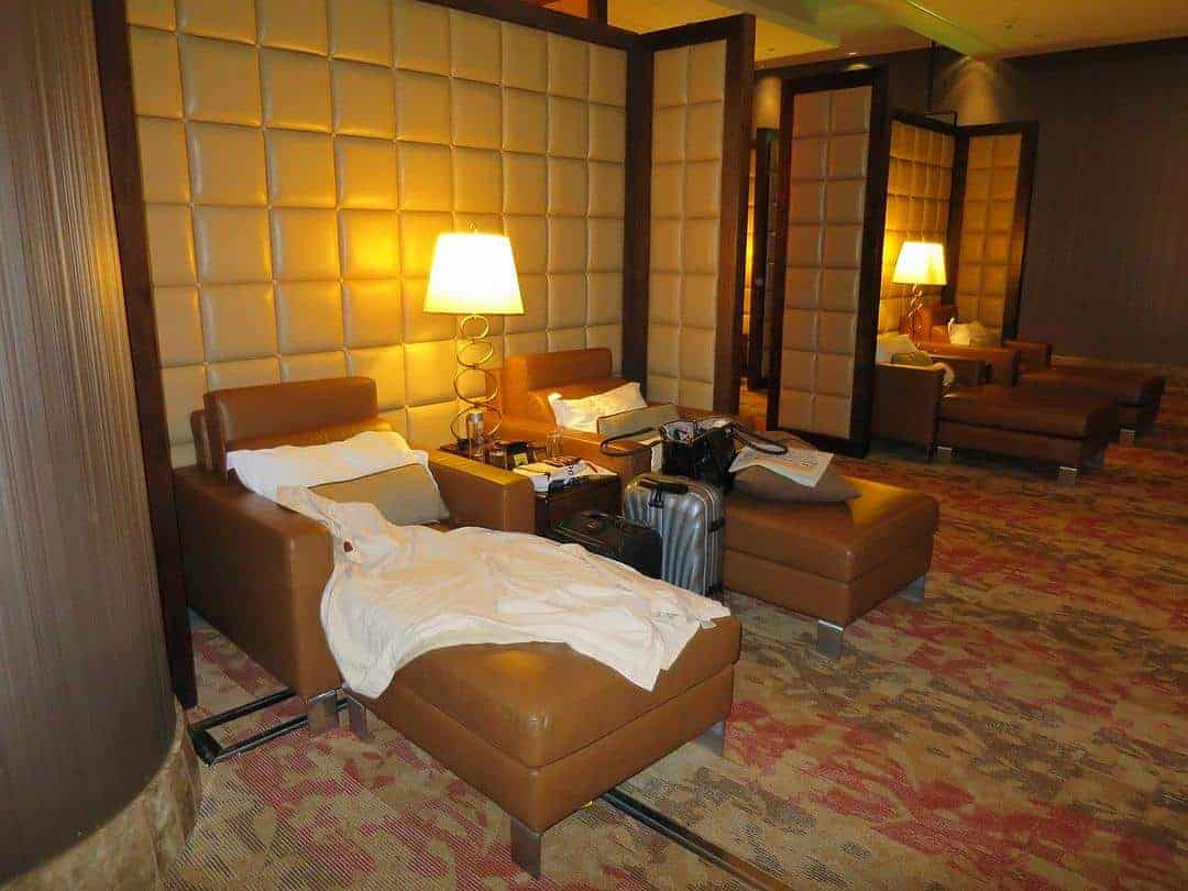 quiet-room-frequent-flyer-experience-emirates-first-class-lounge-dubai