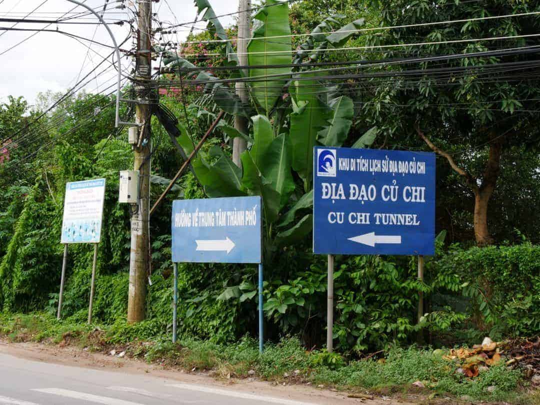 catching the bus to the cu chi tunnels