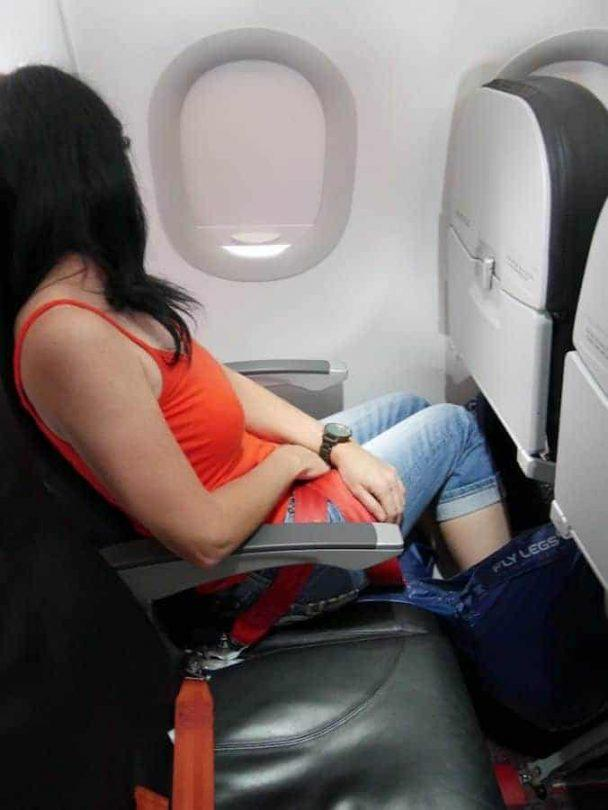 how-to-travel-more-comfortably-in-economy-class