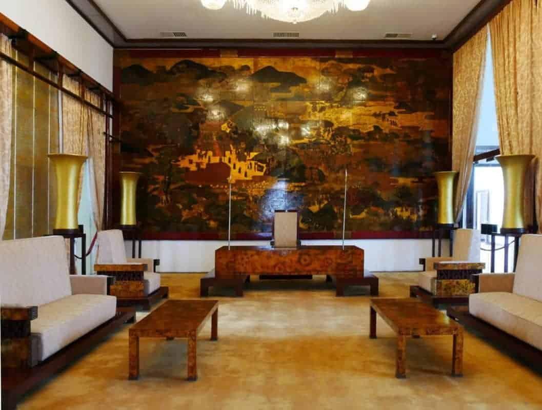 The Ambassadors Chamber
