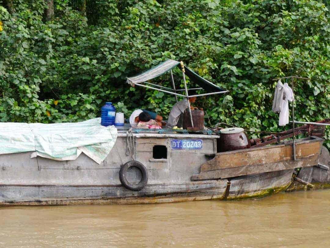 boat-life-mekong-river