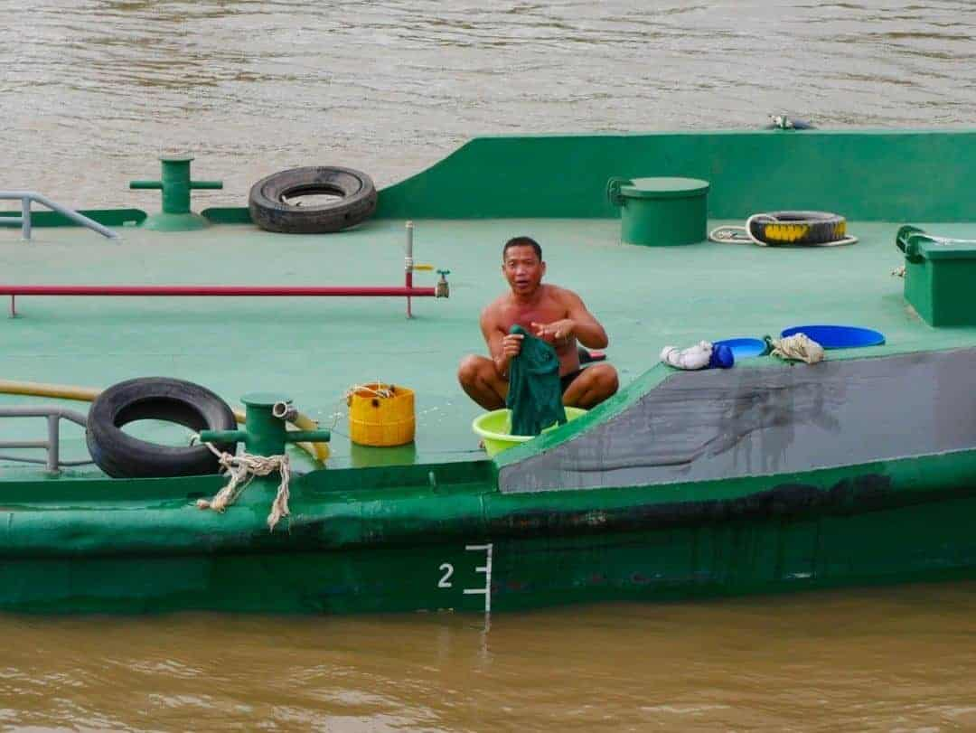 doing-the-washing-mekong-river