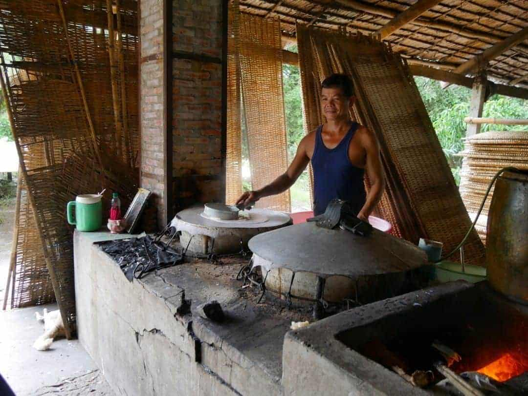 making rice papers in vietnam