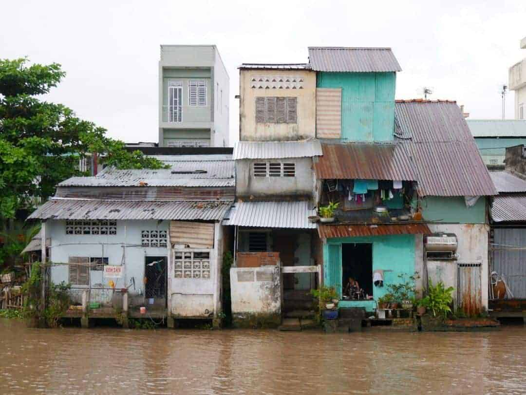 multi-level-river-housing - tours through the mekong delta