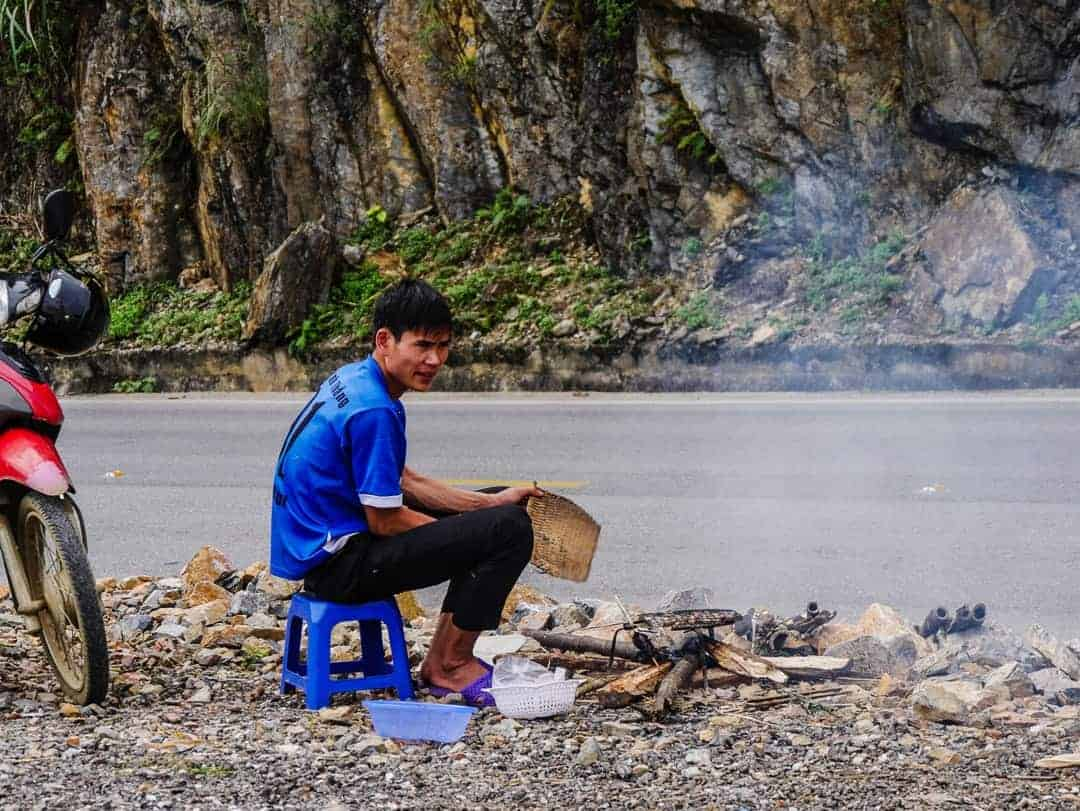 Mai-Chai-Vietnam-cooking-side-of-road
