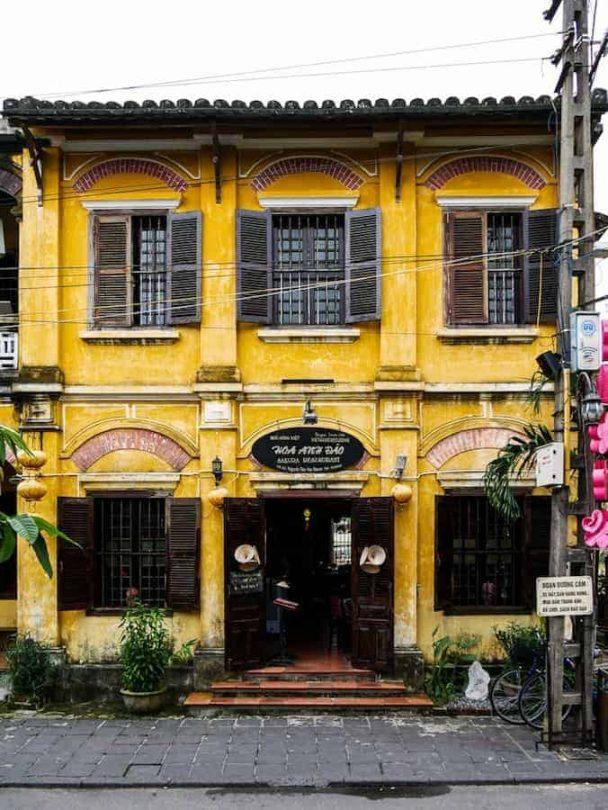 beautiful buildings Hoi An
