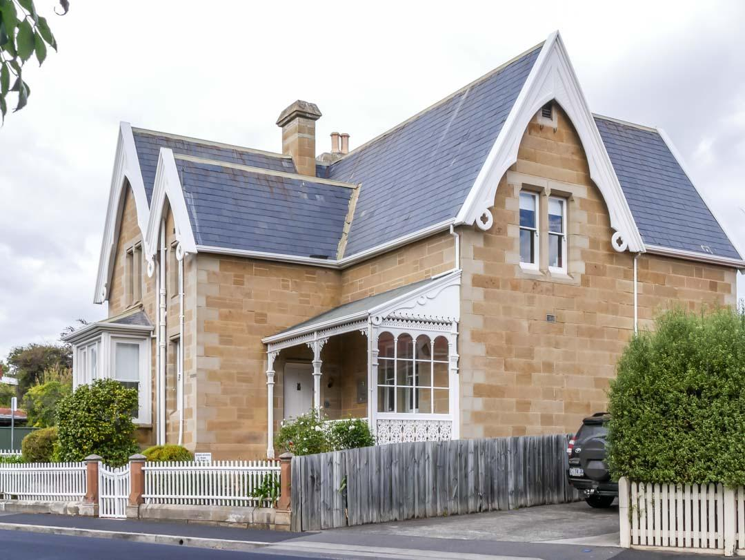sandstone house in battery point