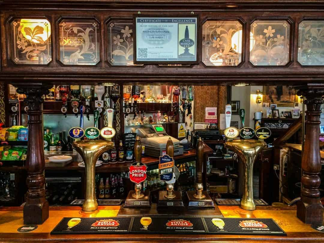 Turners Old Star inside - Historic pub and food tours in London