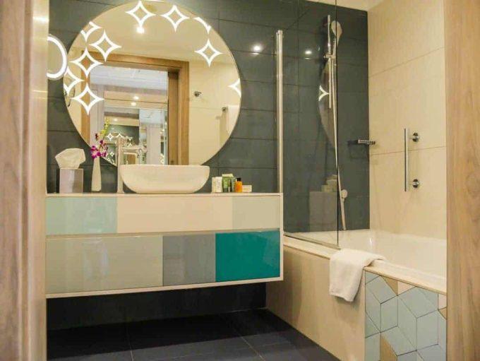bathroom hilton malta