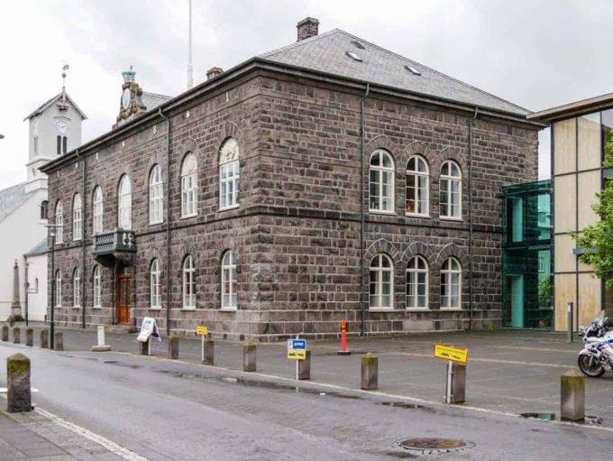 Alþingishúsið and Althingi the parliament building