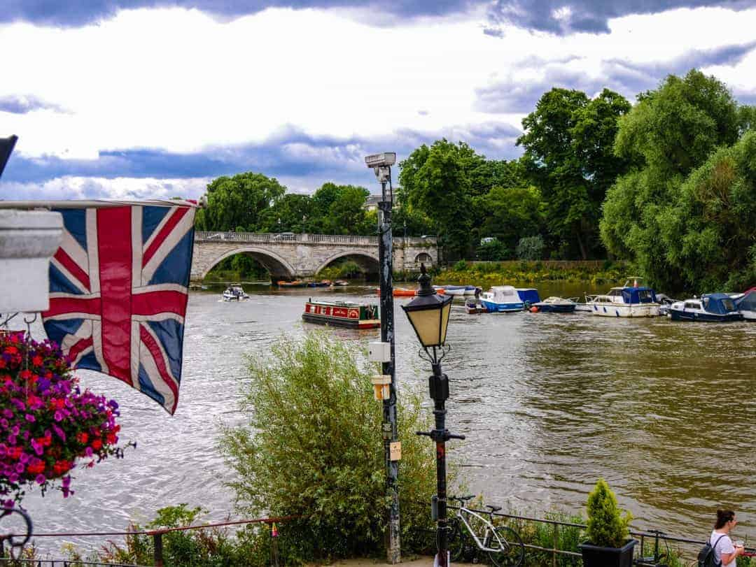 Pubs in Richmond London and Richmond Bridge
