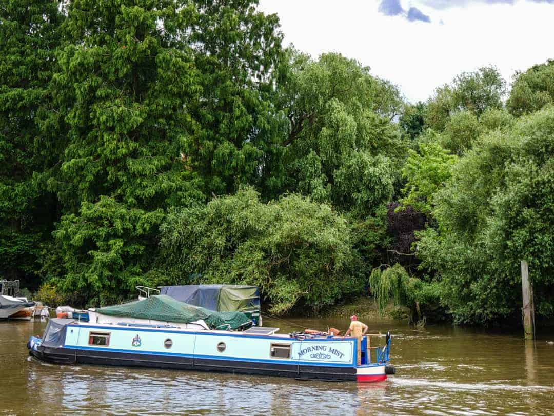 Richmond Thames River house boat