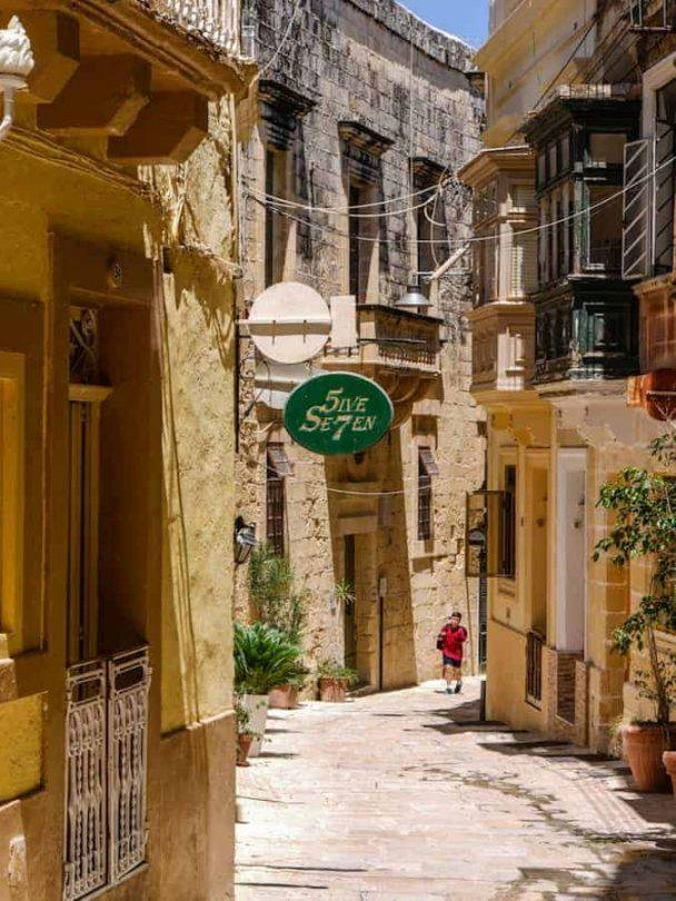 narrow streets of the Collachio