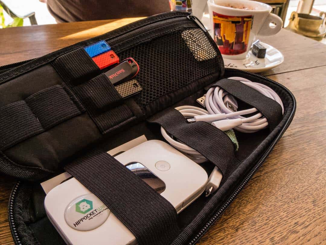 Power Packer cable organiser in coffee shop whilst travelling