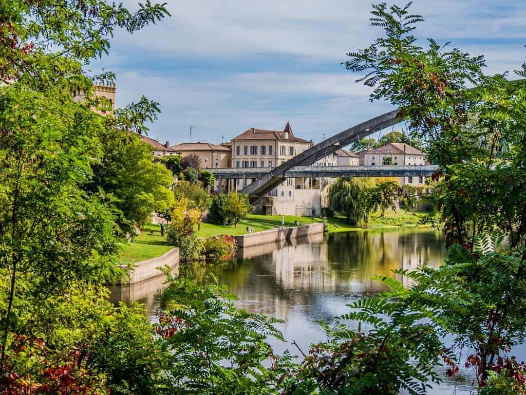 Castelmoron-sur-Lot - motorhome touring in France
