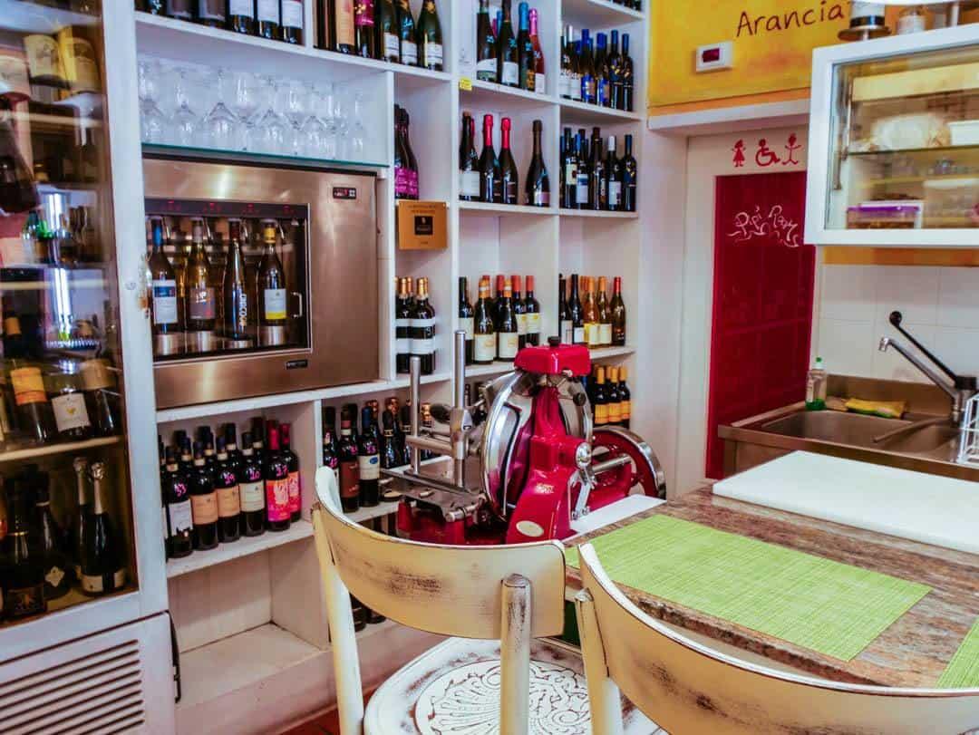 the bar at la bottega