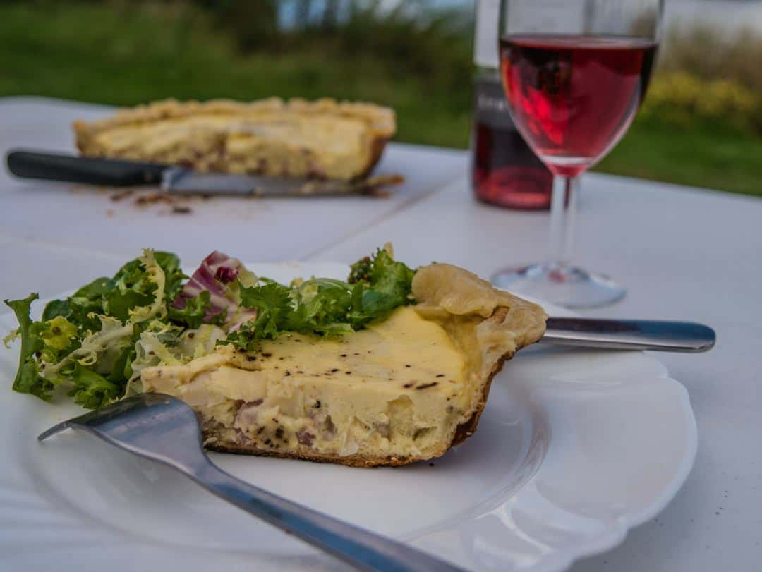 quiche lorraine and salad - easy motorhome meals