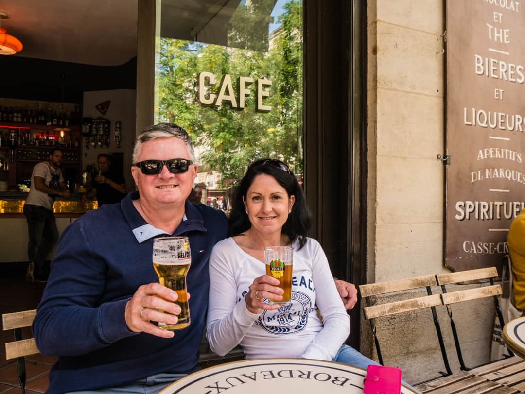 kerri and Stirling beer in bordeaux - Visit Bordeaux