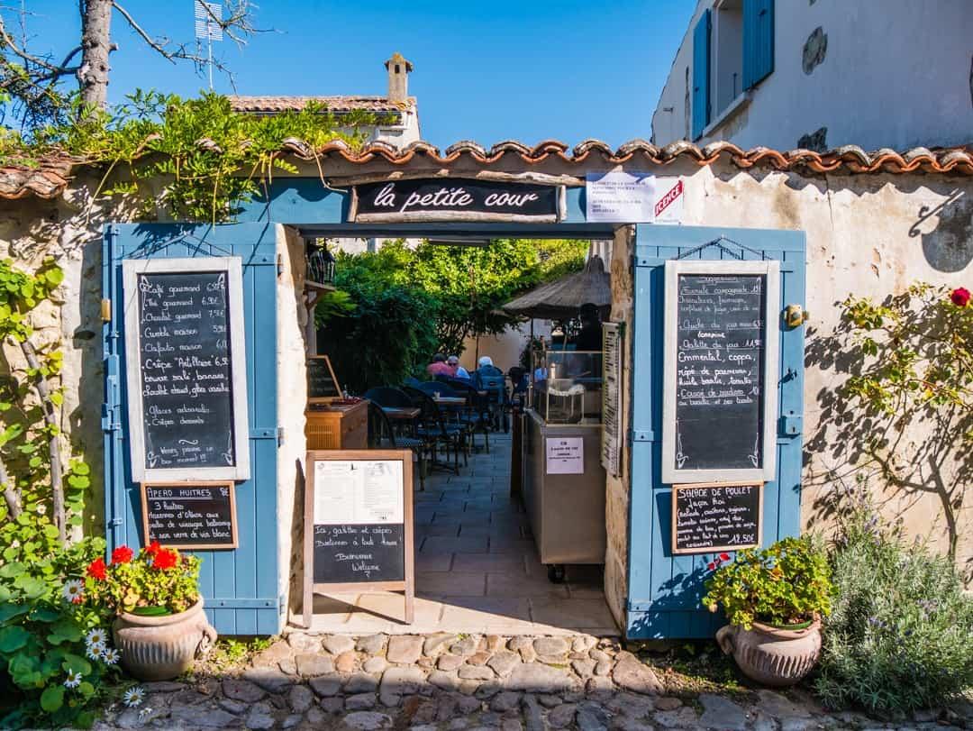 talmont-sur-gironde cute shops
