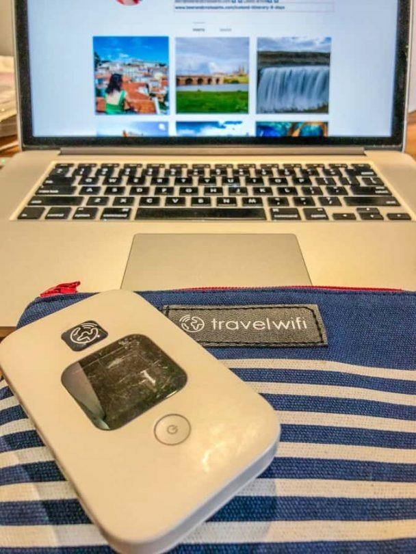 travel wifi working on laptop