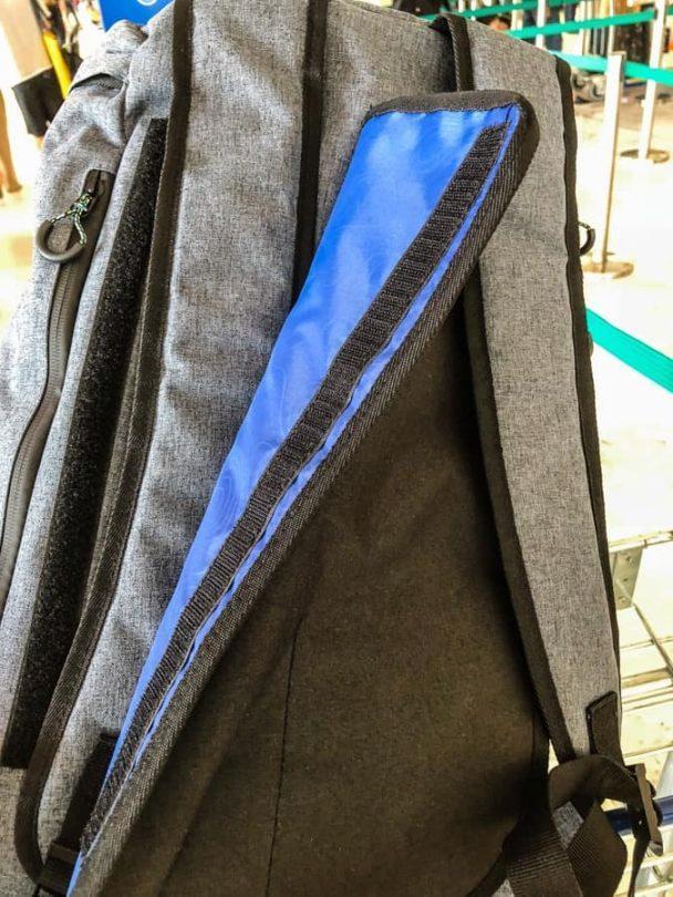 voyage travel bag straps hiding