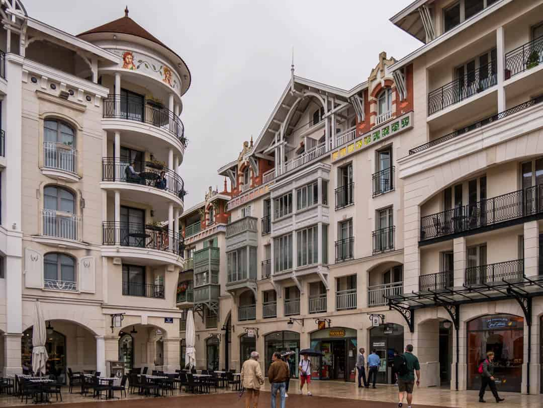 city buildings arcachon
