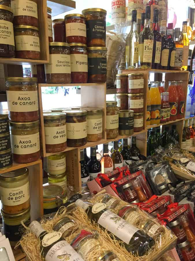 providores in gourmet store in ARcachon
