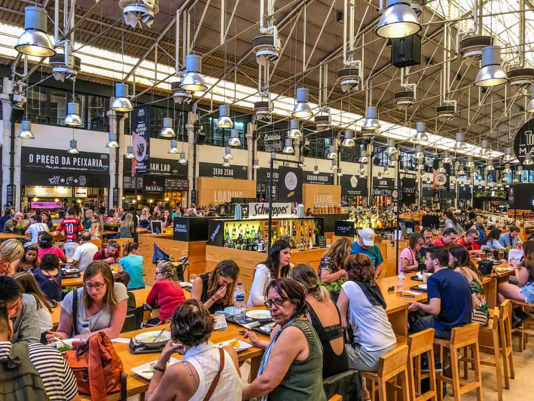 inside the mercado da ribeira