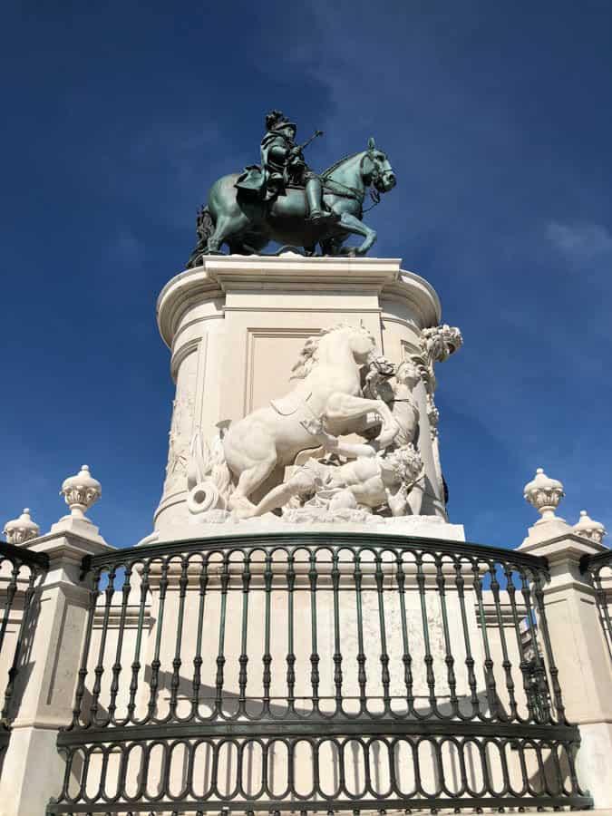 statue main square lisbon