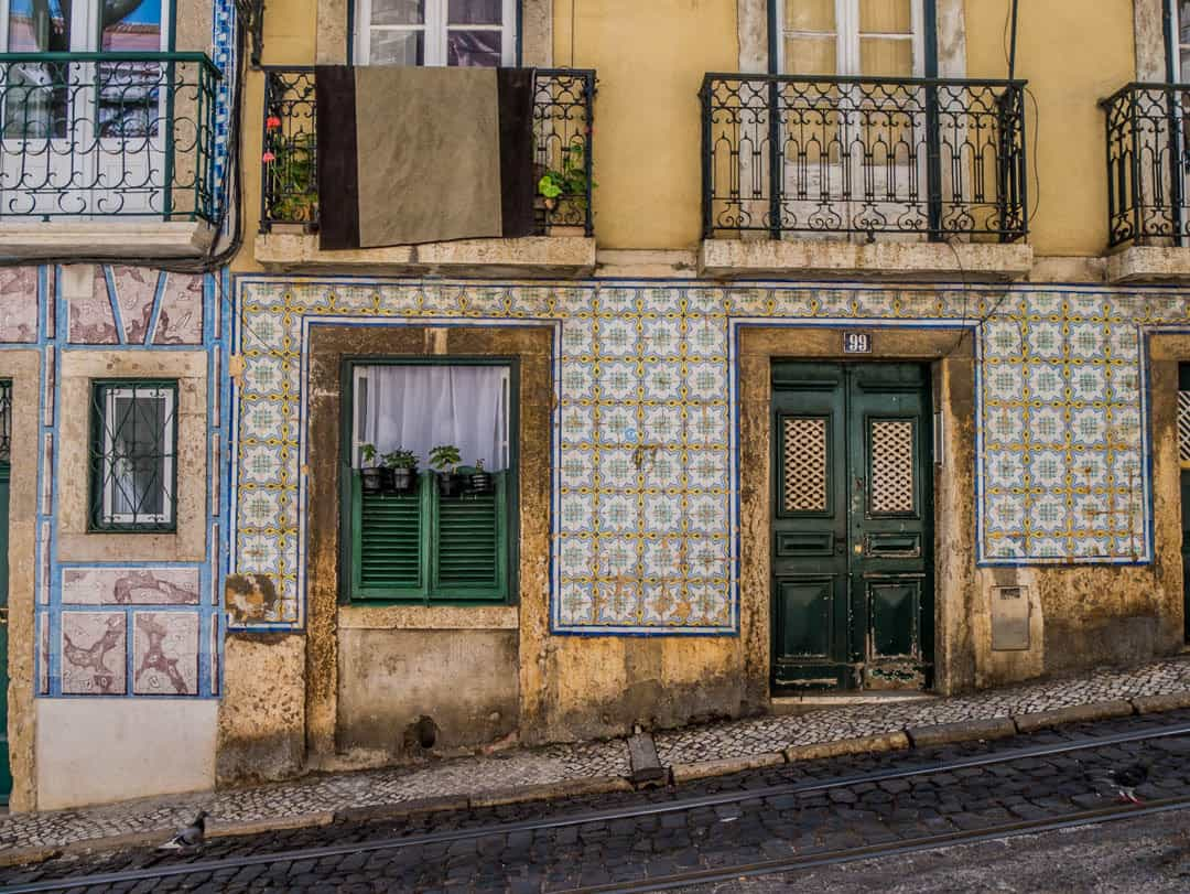 walk the streets of alfama