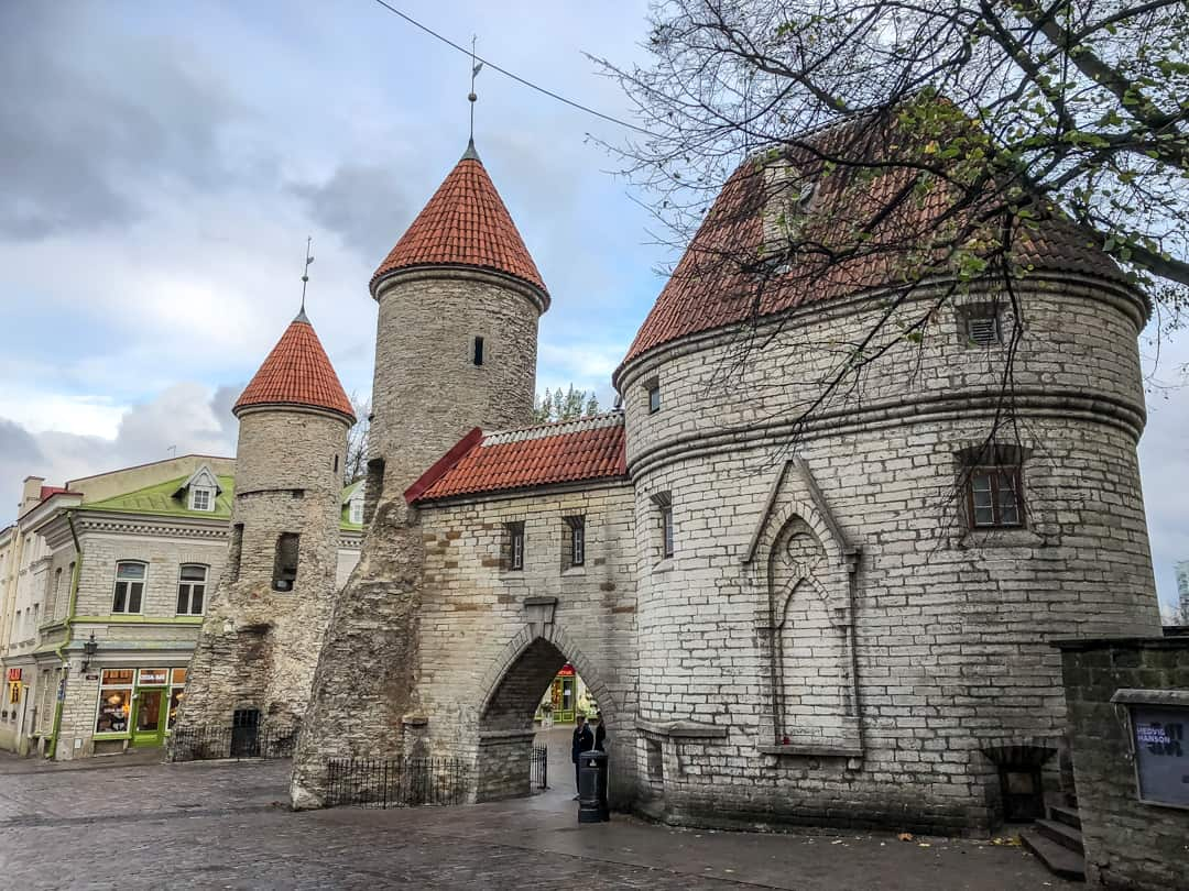 Viru Gates - free walking tour tallinn