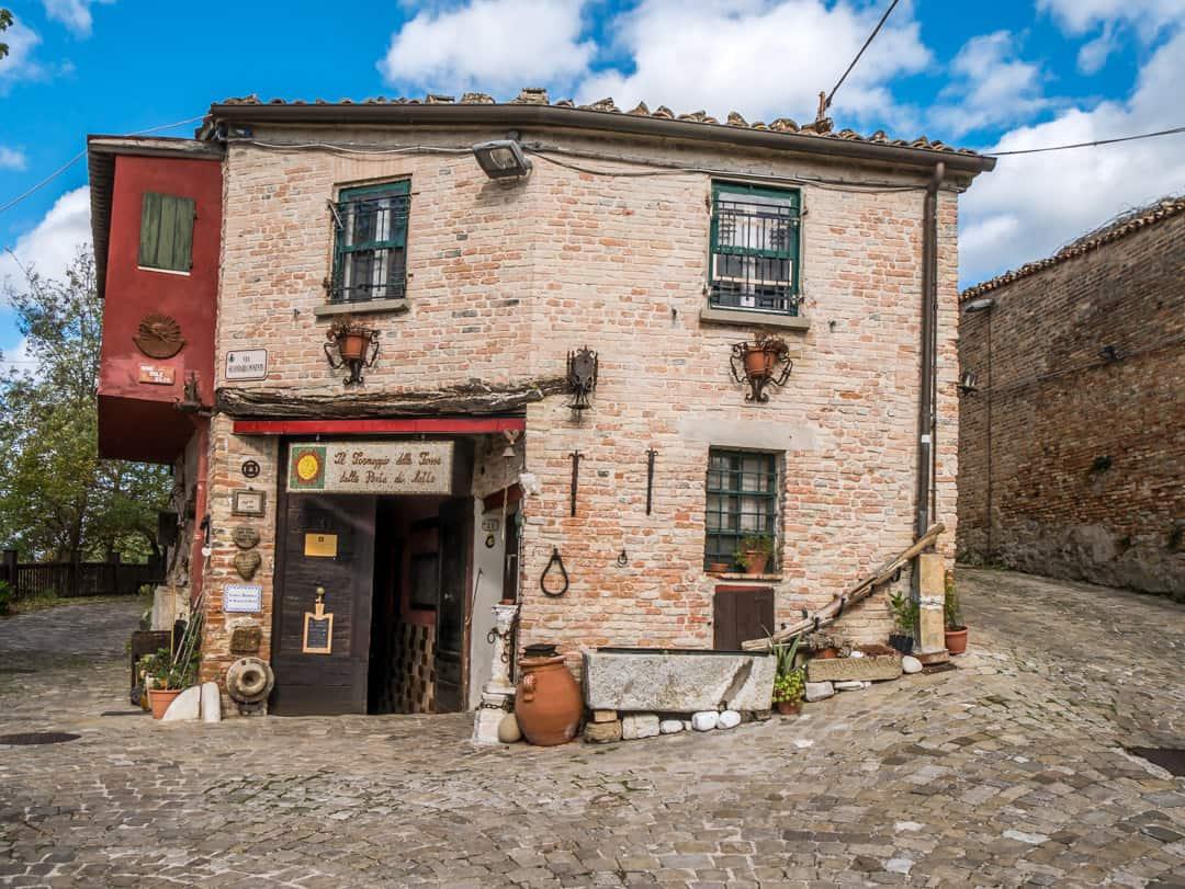 Where formaggio di fossa is made