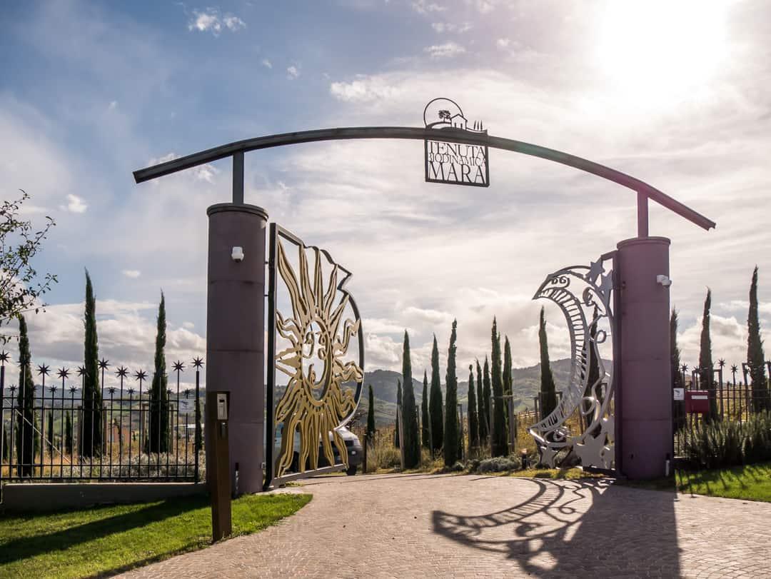 opening gate tenuta mara