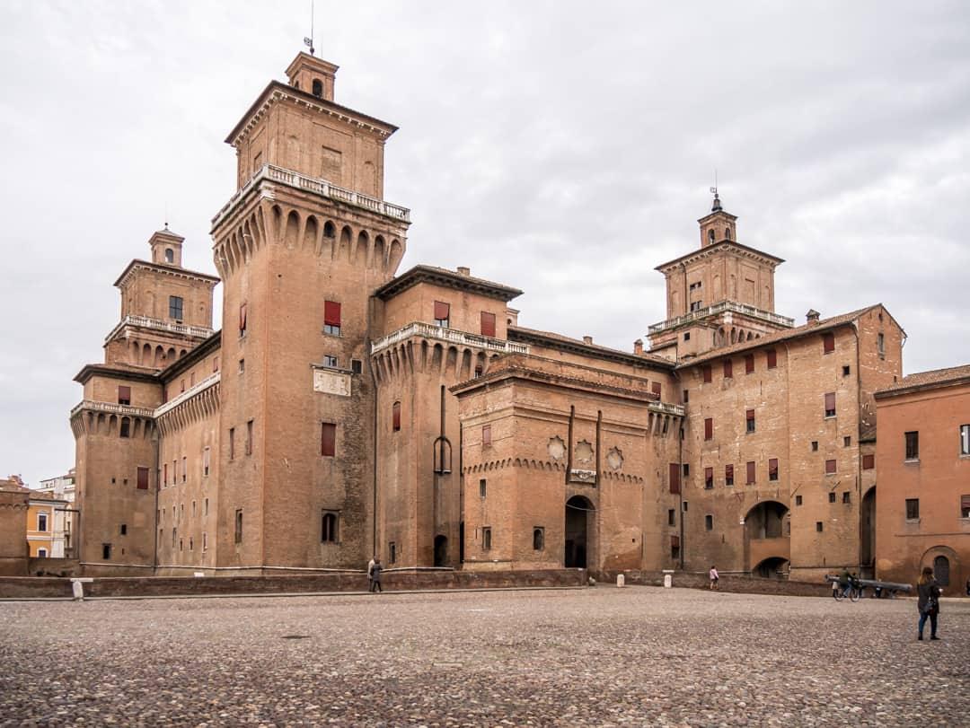 Estenso Castle