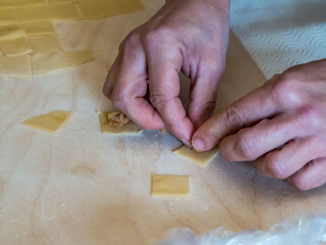 filling tortelloni