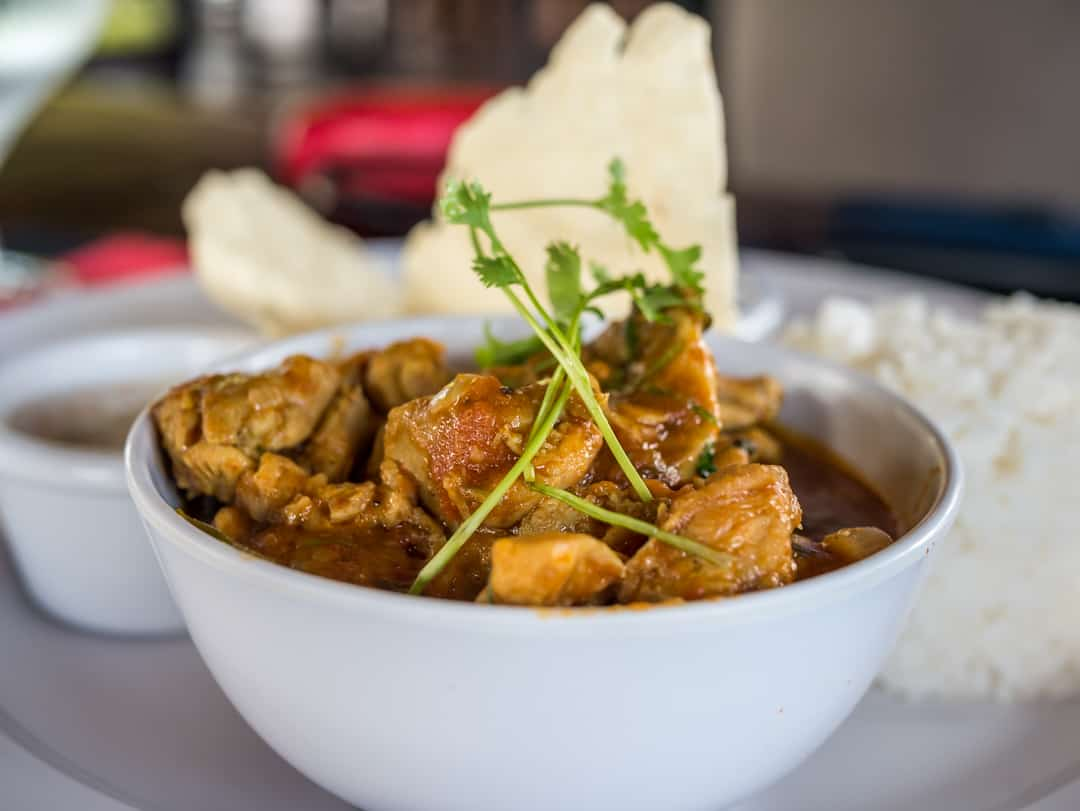 lndo- Fijian flavors w_rice, pappadum & chutney