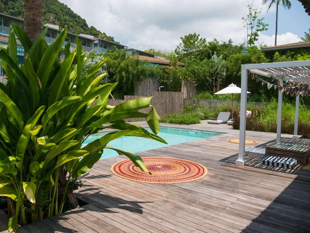 private villa pool back