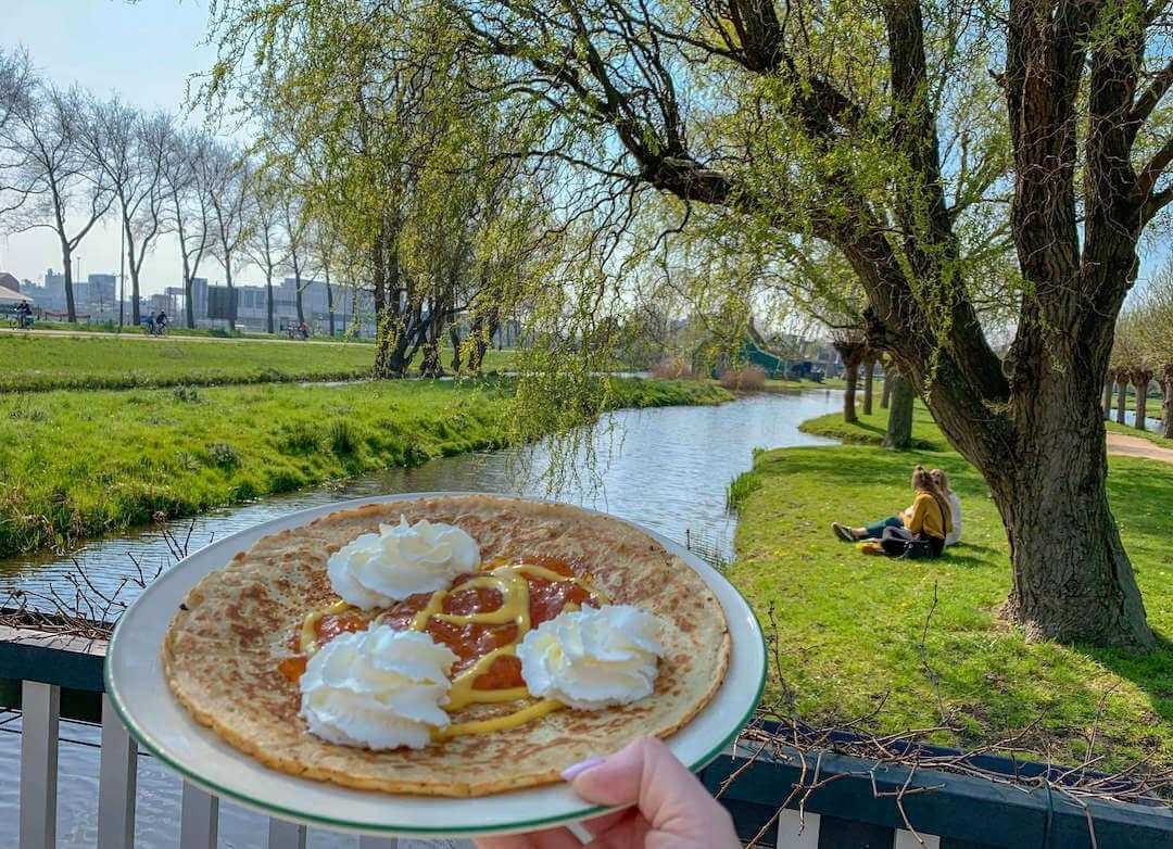 Dutch-pancakes-at-Zaanse-Schans