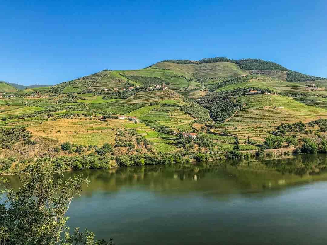 douro valley portugal along the river