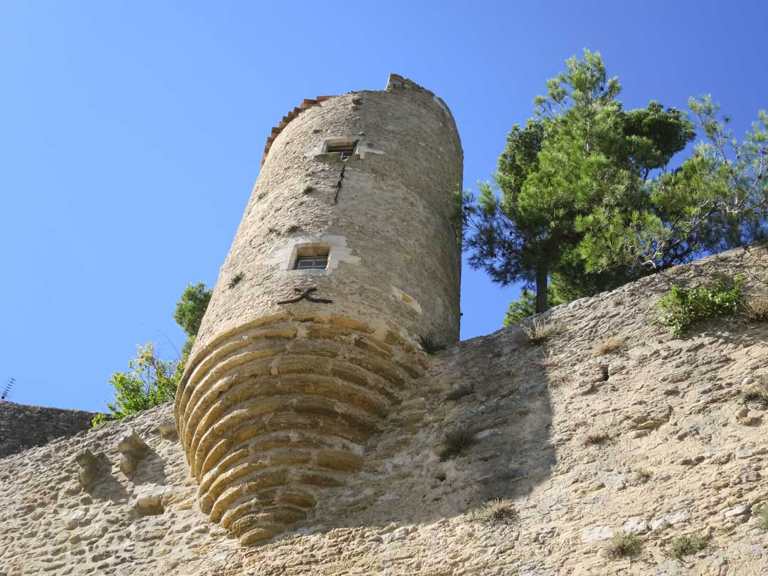 menerbes tower
